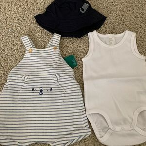 NWT - EXTRA +H&M Baby Boy Onesie , Overall and Hat